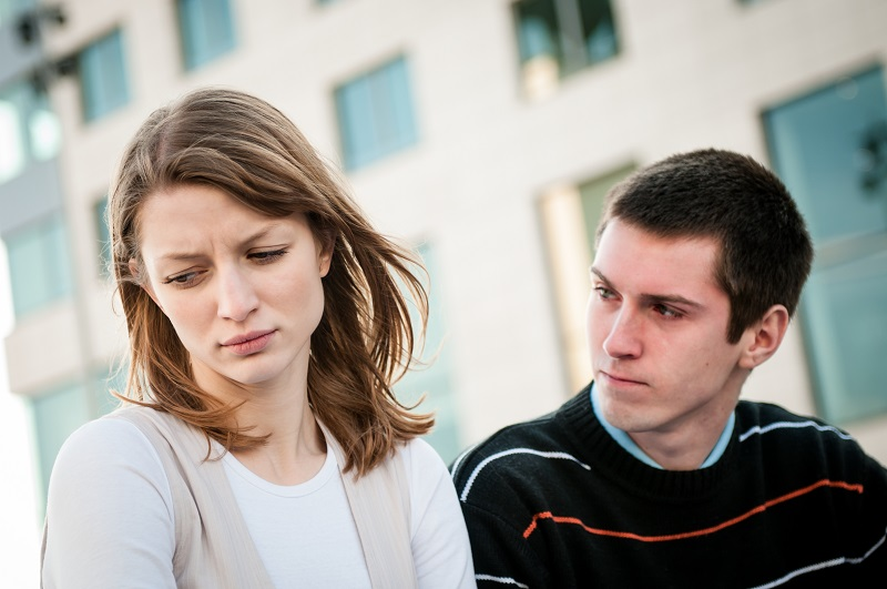 Julia_young_couple_relationship_problems_look_left(5).jpg